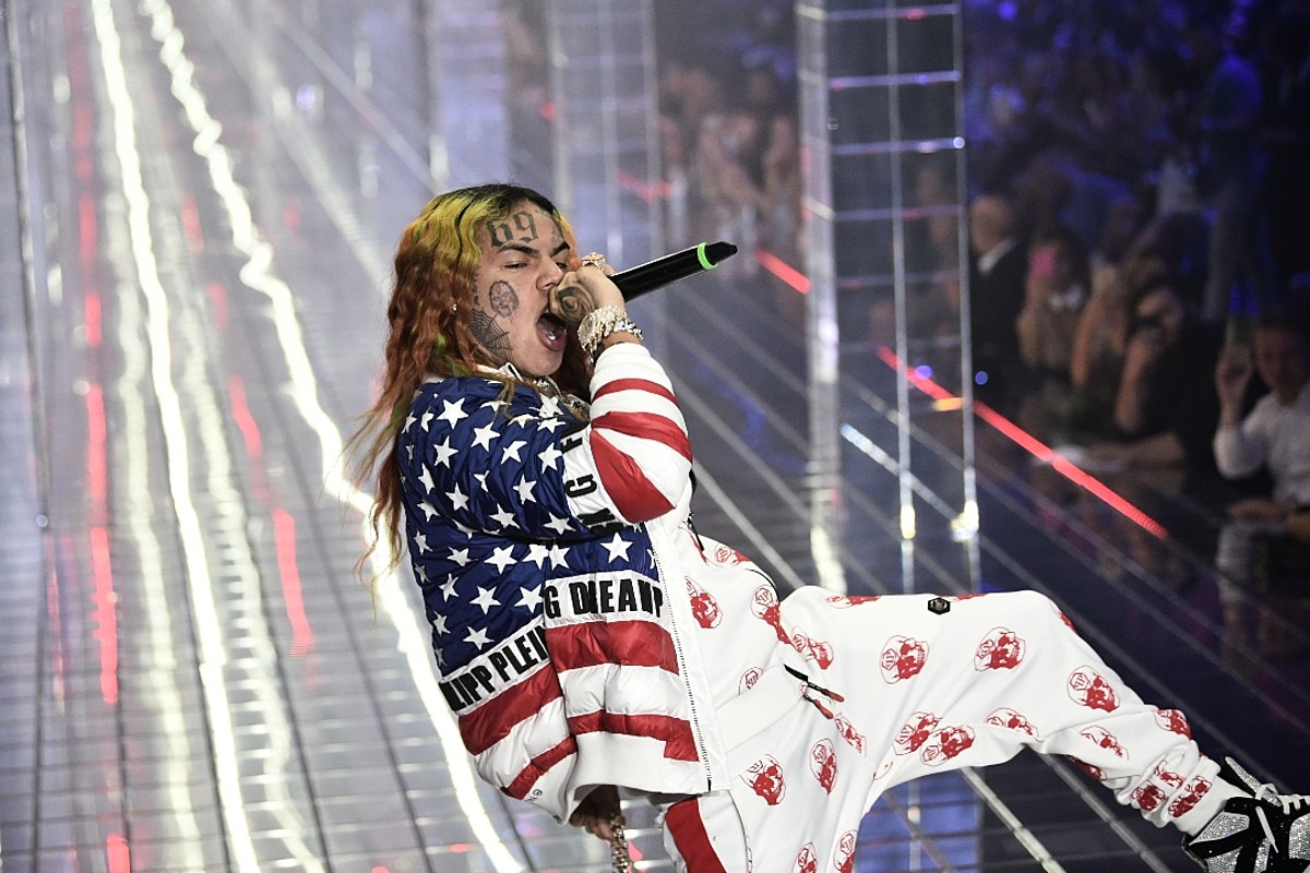 6ix9ine to Work on Two New Albums, Allowed on the Internet