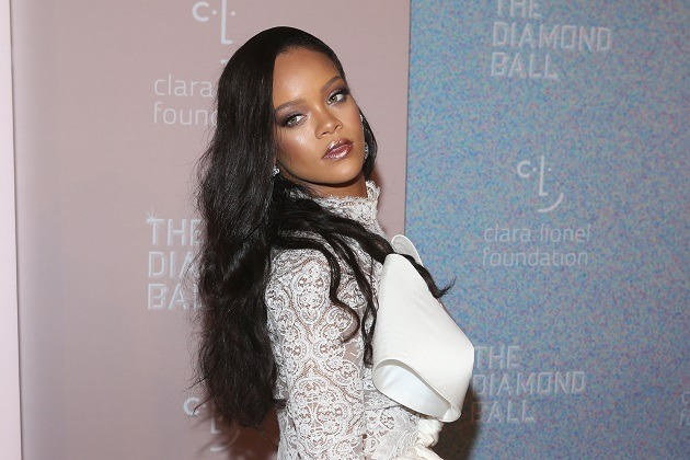 Rihanna Helps Out Her Dad, Who Has Been Stricken With Coronavirus