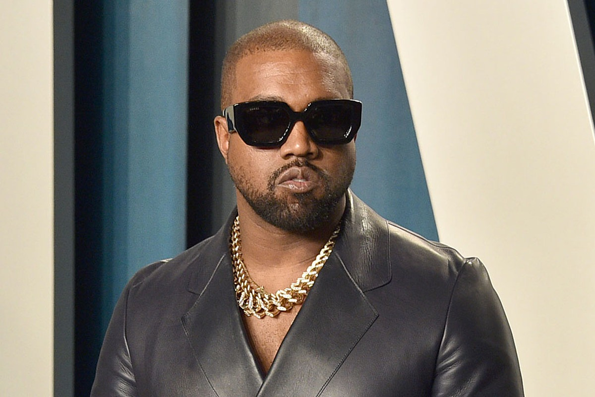 Kanye West Went on Another Completely Random Twitter Spree Last Night