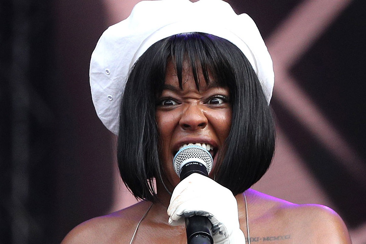 Azealia Banks Faces Backlash After Appearing to Dig Up Her Dead Cat and Cooking It