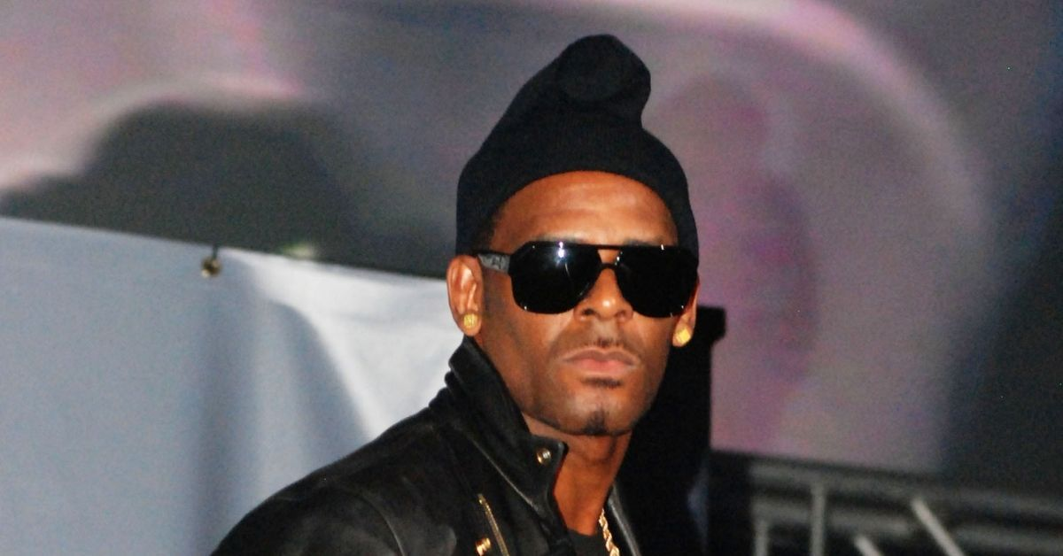 R. Kelly Allegedly Made Underage Girl Walk Another Teen Around On Dog Leash