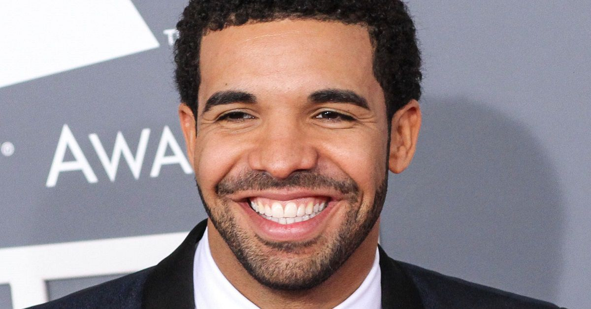 """Drake's """"CLB"""" Tops """"Billboard 200"""" For Second Consecutive Week"""