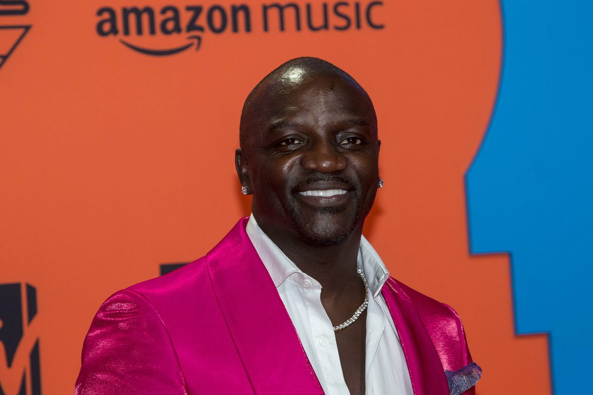 Akon Apologizes For Saying Famous & Rich People Have More Issues Than Poor People